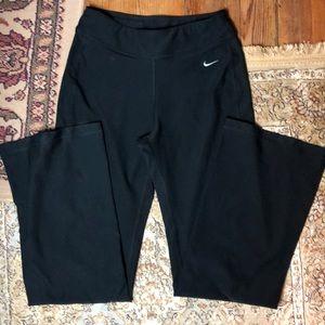NIKE FIT DRY size Small 4-6 Full Leg $95 EUC yoga